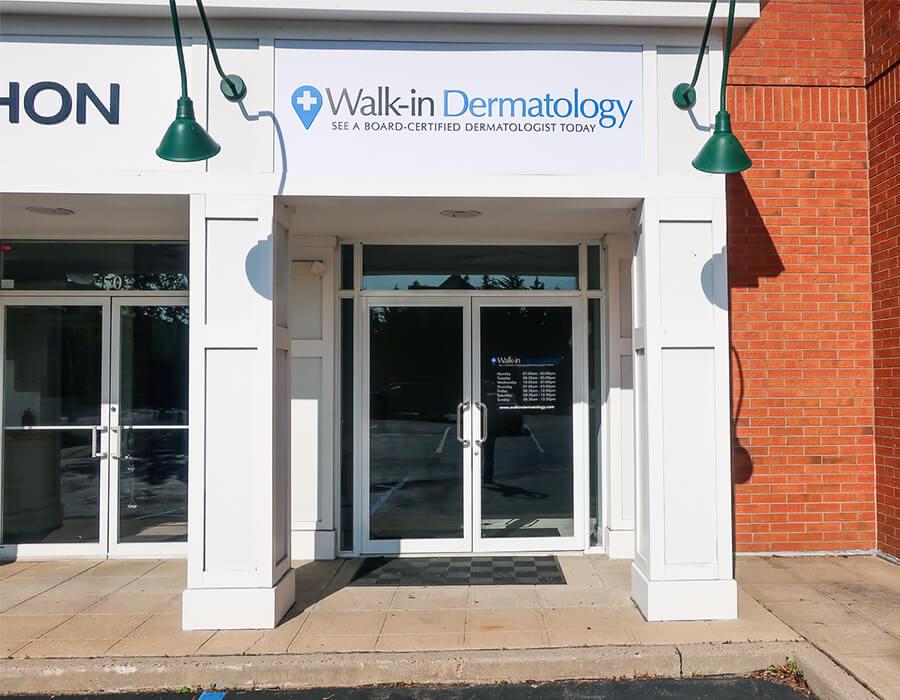 Walk-in Dermatology Greenvale Main Entrance in rear